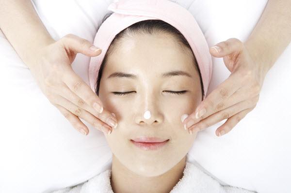 cấp nước và dưỡng ẩm cho da
