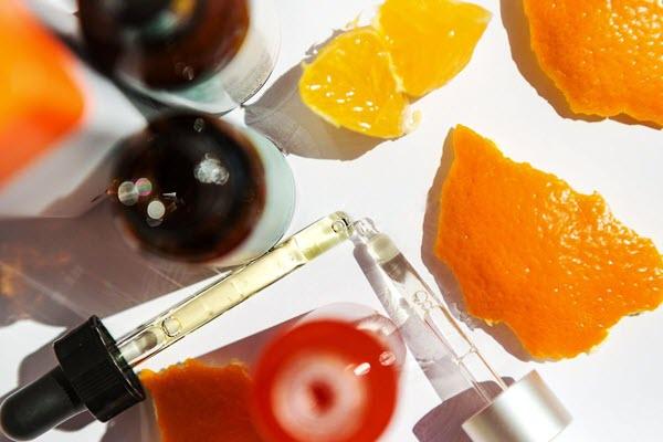 lưu ý khi sử dụng serum vitamin C