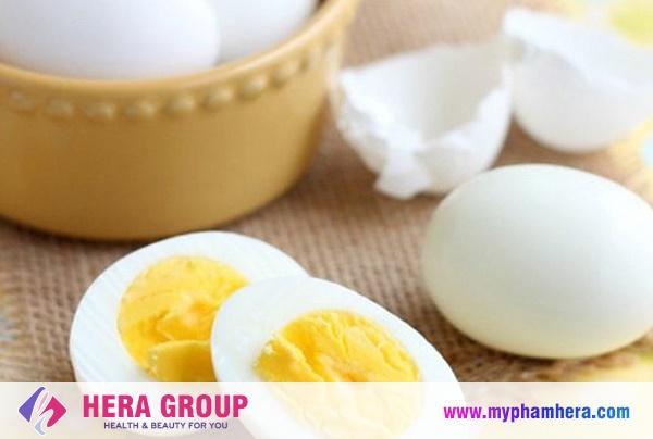 cách khử mùi hôi nách triệt để bằng trứng gà luộc