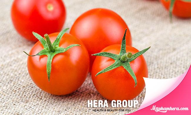 cách làm trắng da tay hiệu quả bằng cà chua