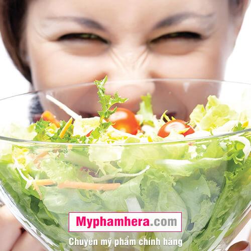 cách chăm sóc da dầu bằng cách ăn nhiều rau củ quả mỹ phẩm hera