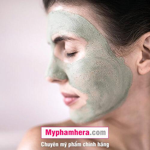 cách chăm sóc da dầu bằng cách đắp mặt nạ mỹ phẩm hera