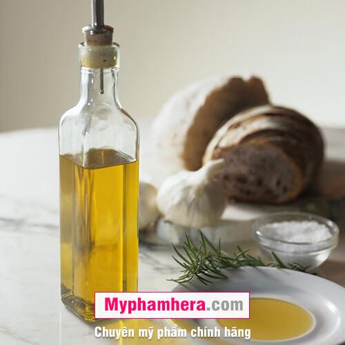 cách tẩy tế bào da chết bằng muối và dầu dừa