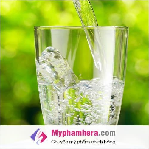 nước lọc là loại nước uống giúp giải độc thanh lọc cơ thể mỹ phẩm hera