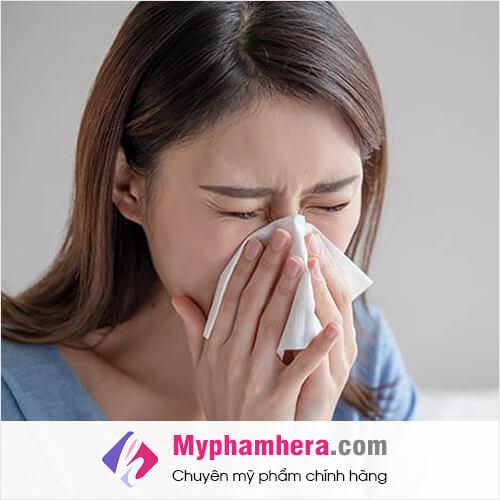 triệu chứng khi bị dị ứng nước hoa mỹ phẩm hera