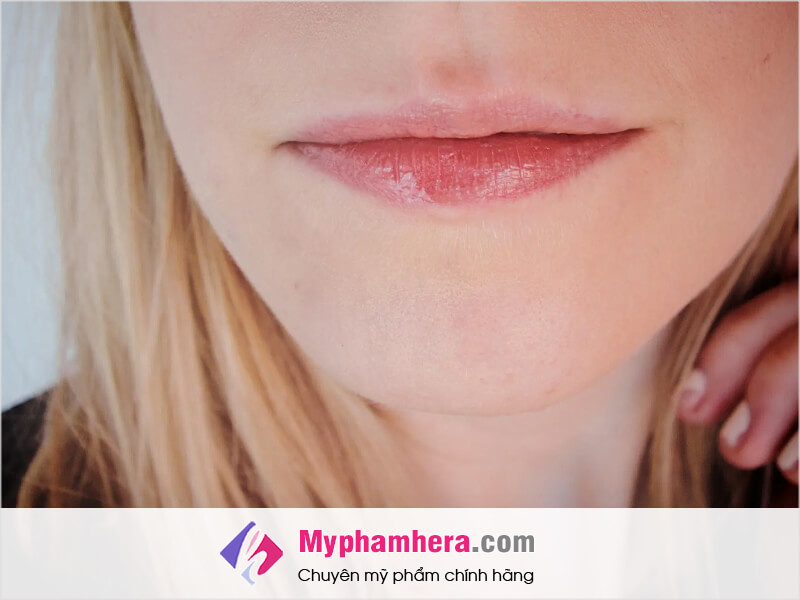 cách chọn son dành cho môi mỏng myphamhera.com