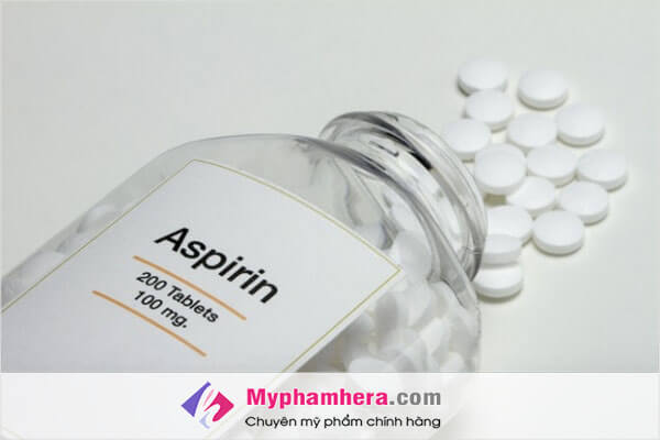 Điều trị mụn sưng đỏ không nhân bằng aspirin