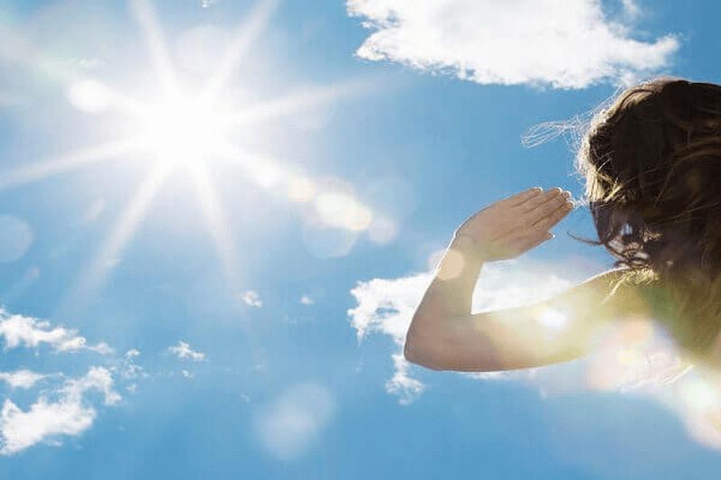 Vid sao phải dùng kem chống nắng mỗi ngày- Myphamhera.com